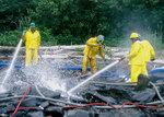 Exxon_valdez_cleanup_2