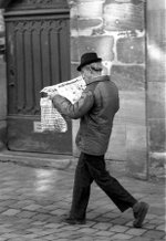 Newspaper_reader